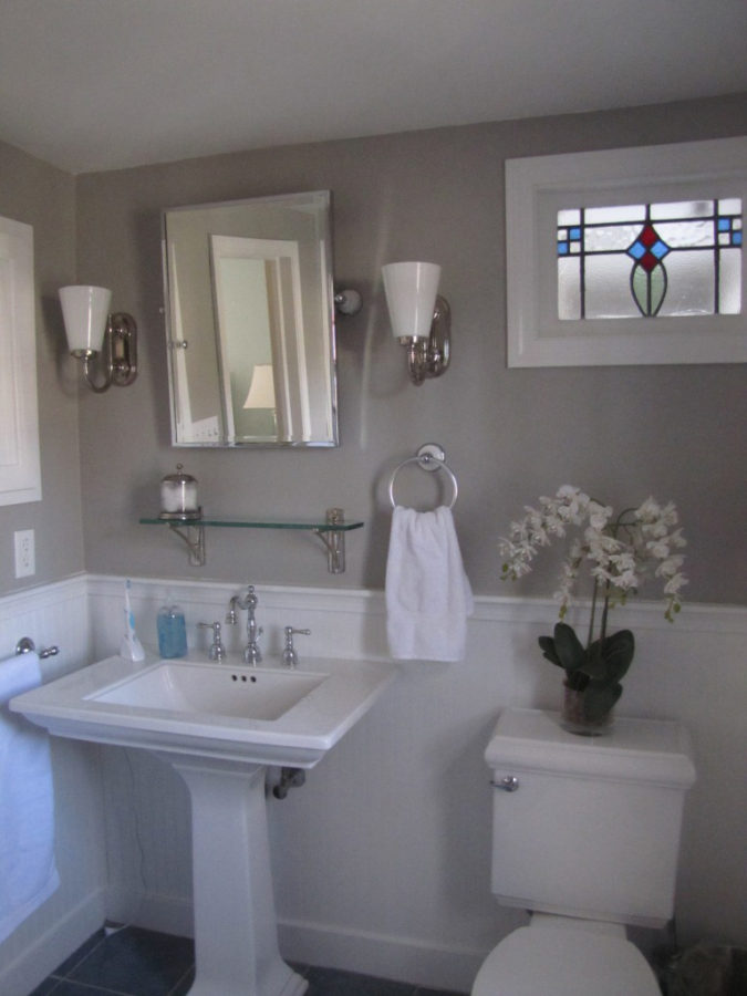 Refresh-the-Room-with-Paint-1-675x900 Top 7 Decoration and Update Ideas for a Bathroom