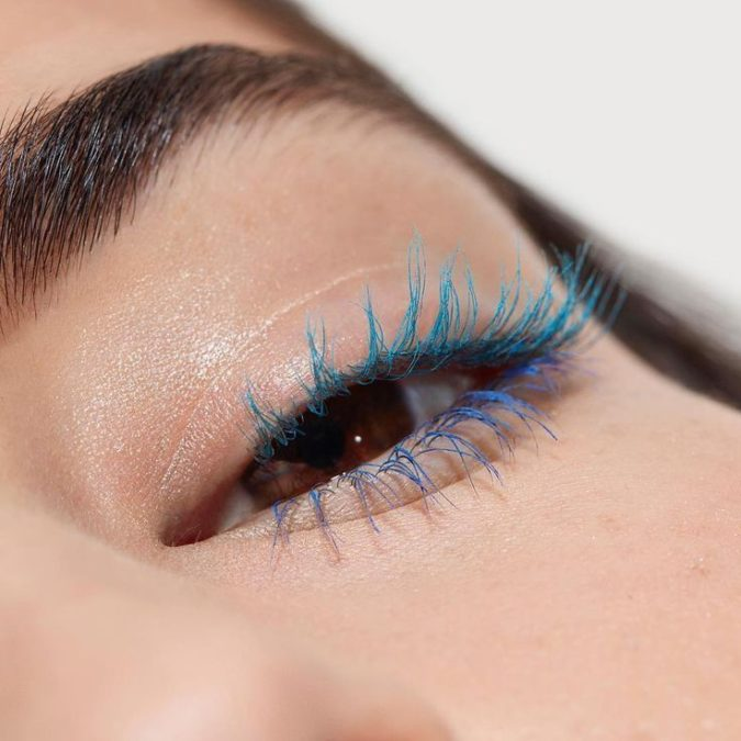 Technicolor-mascara.-675x675 Top 10 Outdated Beauty and Makeup Trends to Avoid in 2021