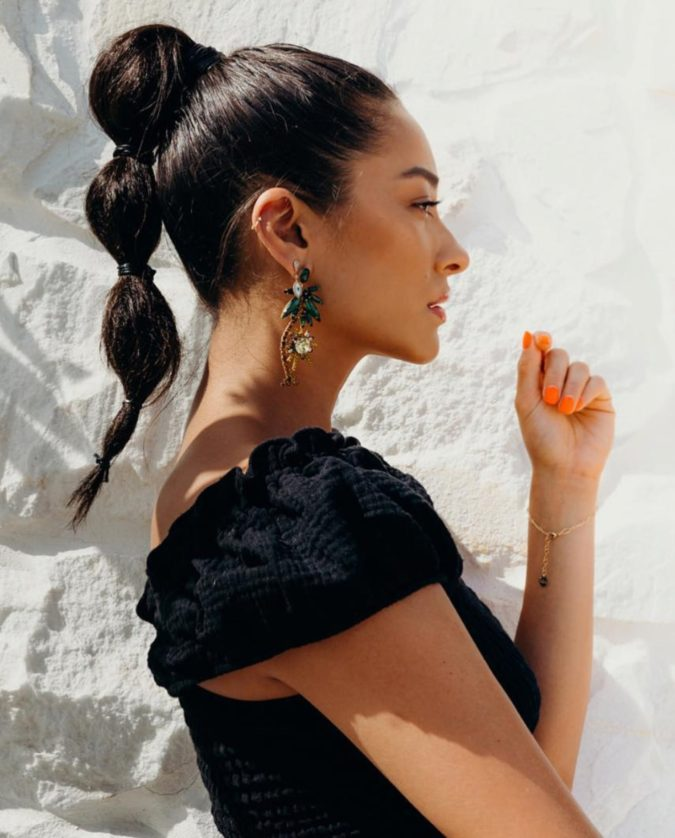 The-Bubble-ponytail.-675x838 +35 Hottest Ponytail Hairstyles that Suit All Women in 2020