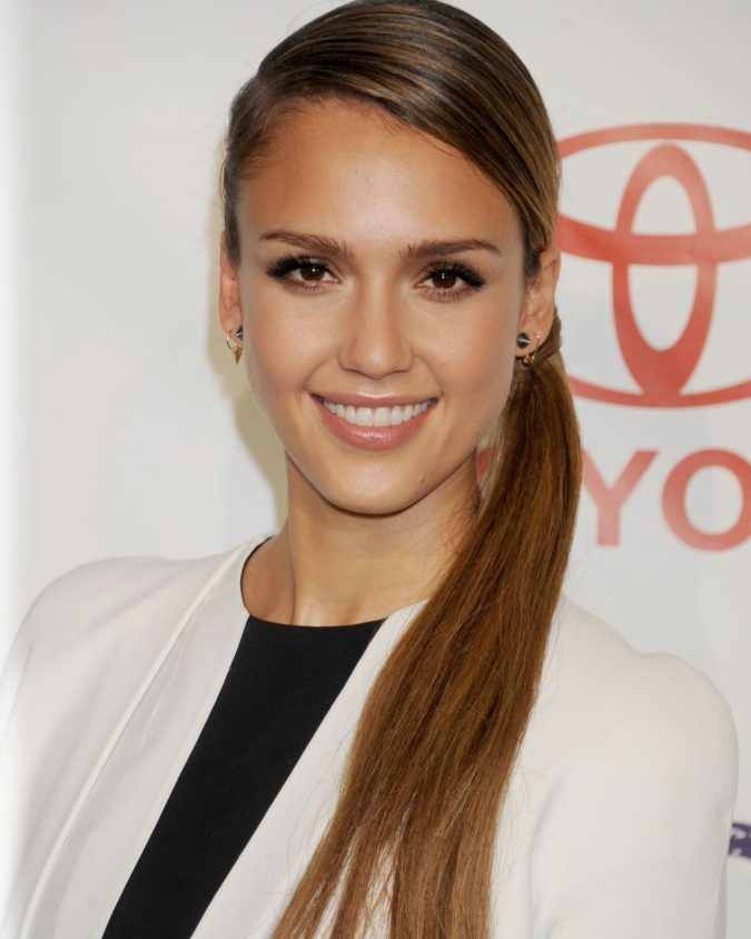 The-Low-side-pony-tail-hairdo-675x844 +35 Hottest Ponytail Hairstyles that Suit All Women in 2020