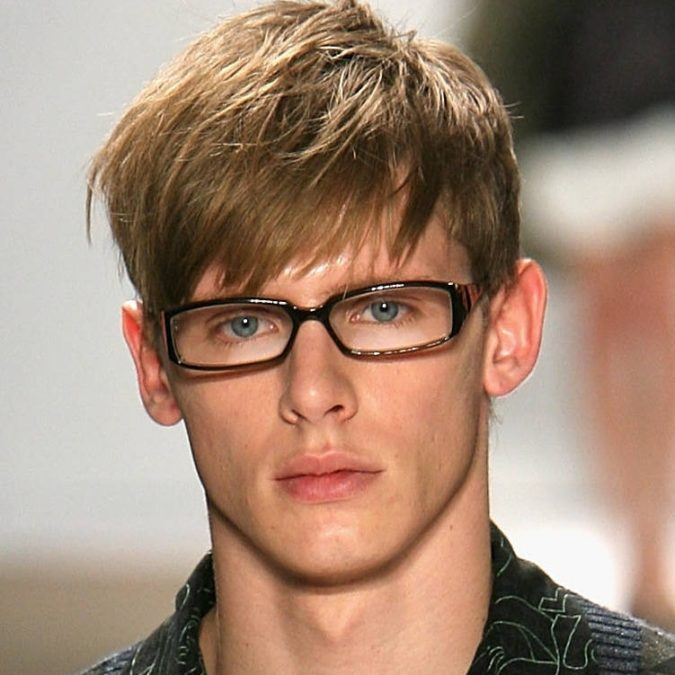 The-side-swept-bangs-hairstyle-675x675 Top 10 Hottest Hairstyles To Suit Men With Round Faces