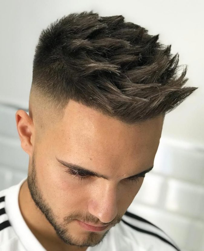 The-textured-spikes.-e1596836925549-675x831 Top 10 Hottest Hairstyles To Suit Men With Round Faces