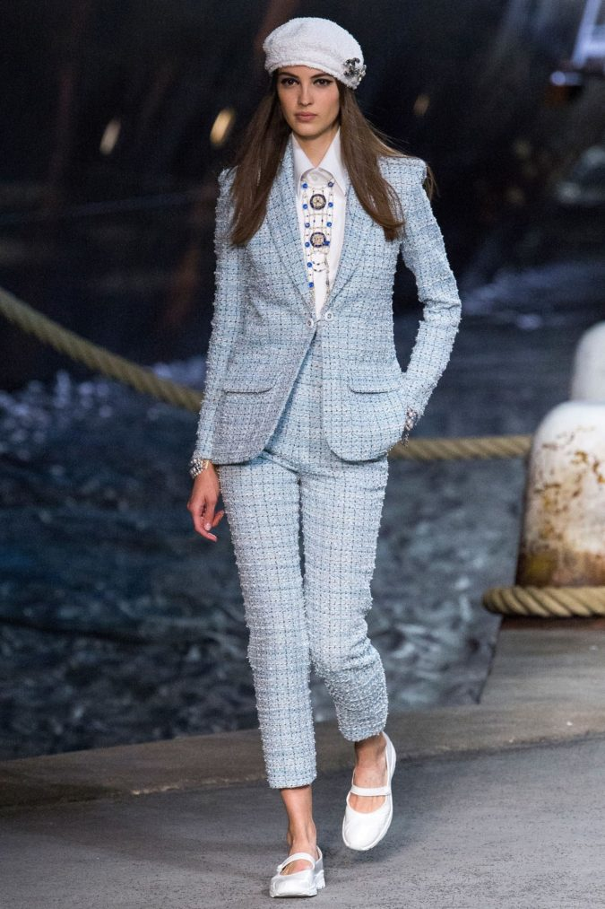 Tweed-Suit-1-675x1013 +45 Stylish Women's Outfits for Job Interviews for 2020