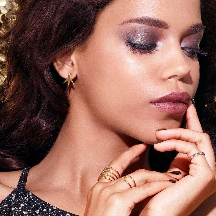 Use-of-glitter-1 Top 10 Outdated Beauty and Makeup Trends to Avoid in 2020