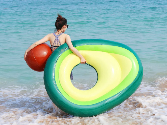 avocado-pool-float-summer-gift-675x506 Gifts for Summer Birthdays