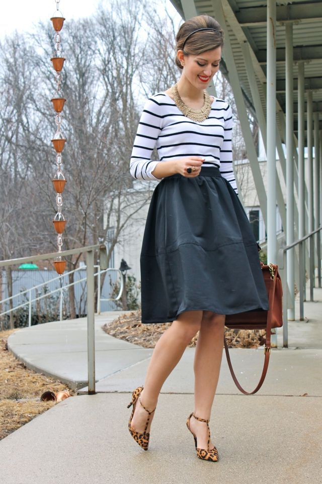 black-and-white.. +45 Stylish Women's Outfits for Job Interviews for 2021