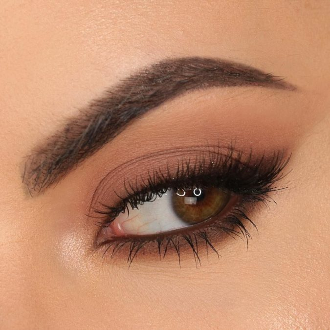 brown-liner-675x675 Top 10 Outdated Beauty and Makeup Trends to Avoid in 2020