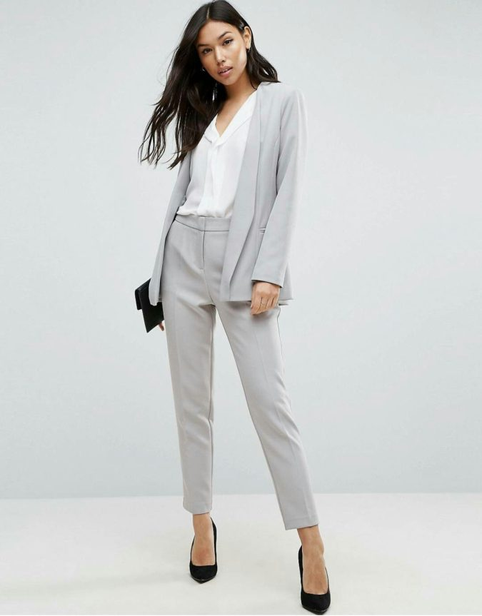 grey-suit-675x863 +45 Stylish Women's Outfits for Job Interviews for 2021