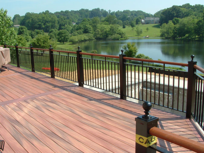 house-deck-railing-675x506 4 Simple Steps to Increase the Value of the House with Deck Railing Project Ideas