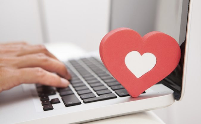 laptop-Online-Dating-e1597144372737-675x416 Online Dating: Read Reviews to Avoid Frustration