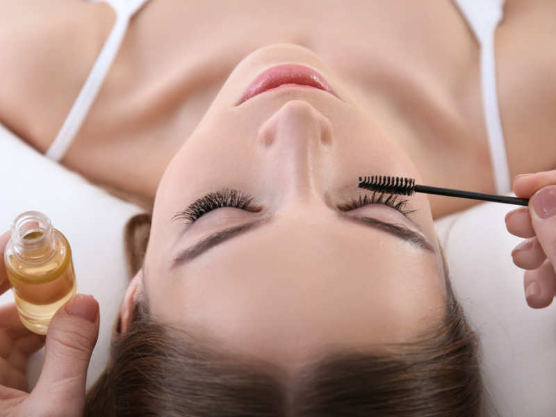 lashes 10 Tips for Gorgeous Natural Makeup Looks in 2020