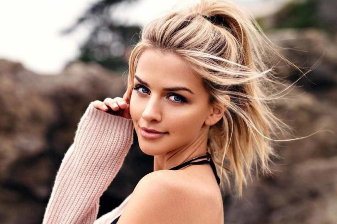 ponytail-675x450 +35 Hottest Ponytail Hairstyles that Suit All Women in 2021