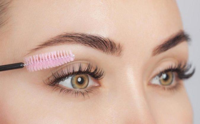"transparent-mascara-675x418 How to Get Natural ""No-Makeup"" Makeup Look for Work (Step by Step)"