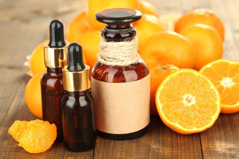 vitamin-c-serum 10 Tips for Gorgeous Natural Makeup Looks in 2020