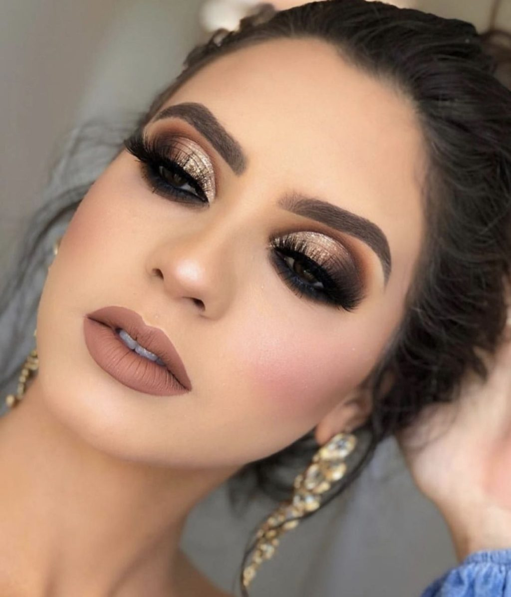 Basic-Smokey-Eye-with-glitter-1024x1197 60+ Hottest Smokey Eye Makeup Looks in 2021