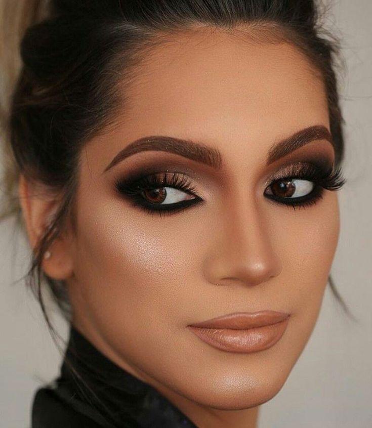 Basic-Smokey-Eye.-4 60+ Hottest Smokey Eye Makeup Looks in 2020