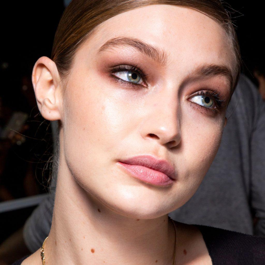 Basic-Smokey-Eye..-4-1024x1024 60+ Hottest Smokey Eye Makeup Looks in 2020