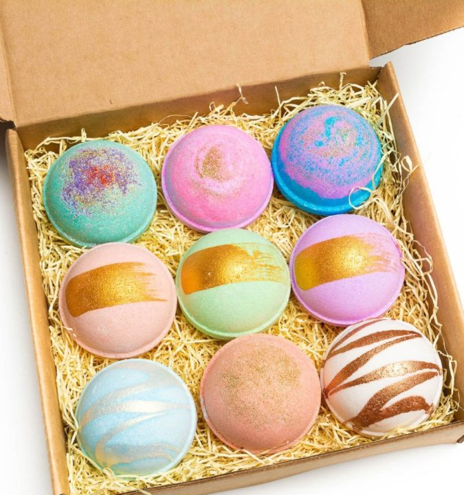Bath-bombs-675x721 20 Unexpected and Creative Gift Ideas for Best Friends
