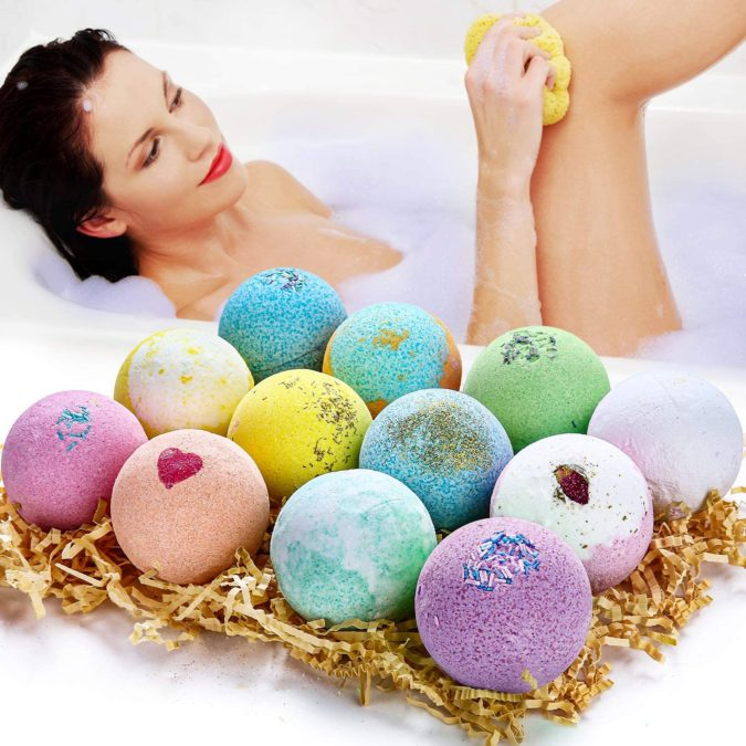 Bath-bombs.-675x675 20 Unexpected and Creative Gift Ideas for Best Friends