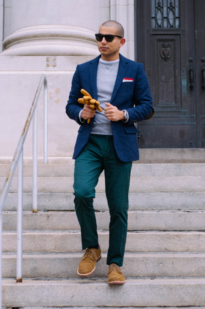 Blazer-and-T-shirt-675x1017 120+ Fashion Trends and Looks for College Students in 2021