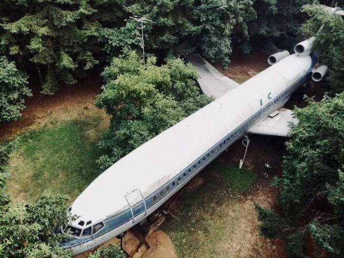 Boeing-727-200-home-project-2-675x506 Top 25 Strangest Houses around the World
