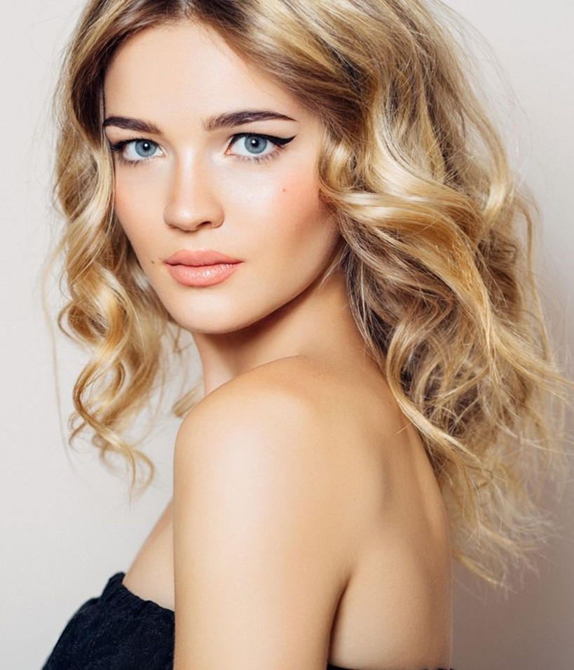 Buttery-Blonde-Hair-1 Top 10 Hair Color Trends for Blonde Women in 2021
