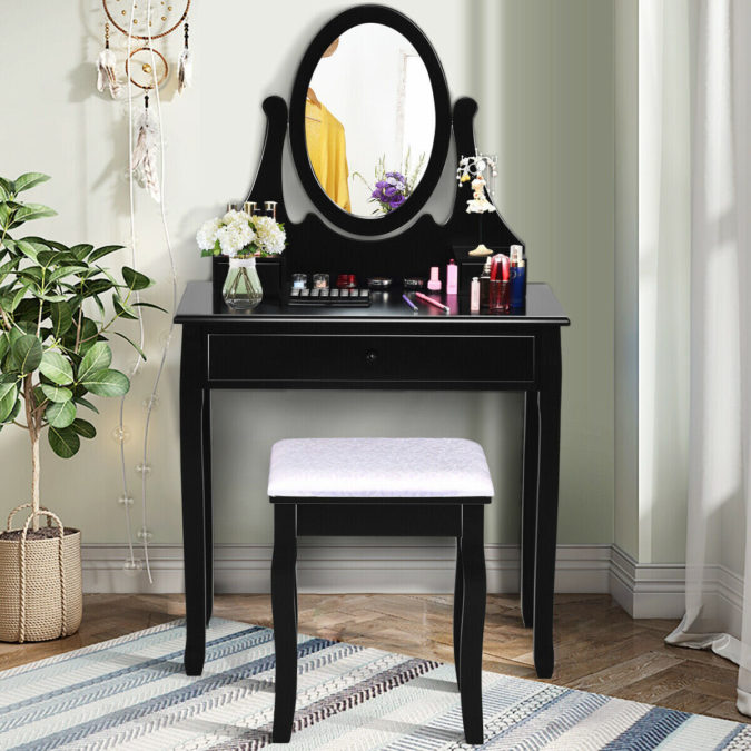 Conventional-vanity-table..-675x675 Hottest 50+ Stylish Makeup Vanity Ideas