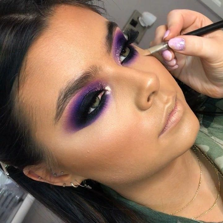 Dark-outlined-Purple-Color-Smokey-Eyes-4 60+ Hottest Smokey Eye Makeup Looks in 2020