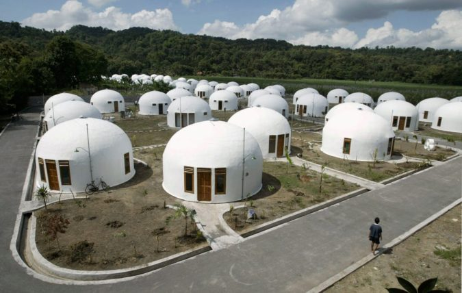 Dome-house.-675x428 Top 25 Strangest Houses around the World