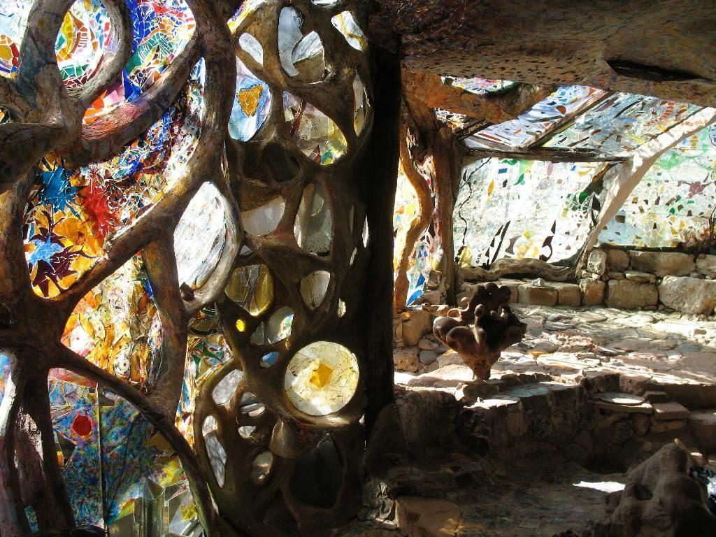 Eliphante-Art-House Top 25 Strangest Houses around the World