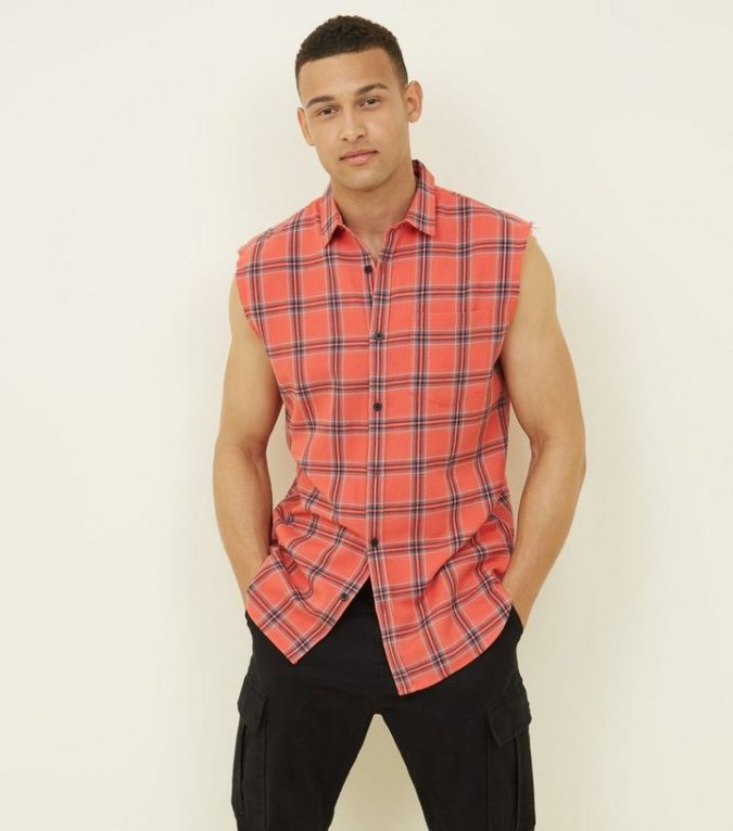 Going-sleeveless.-1-675x766 120+ Fashion Trends and Looks for College Students in 2020/2021