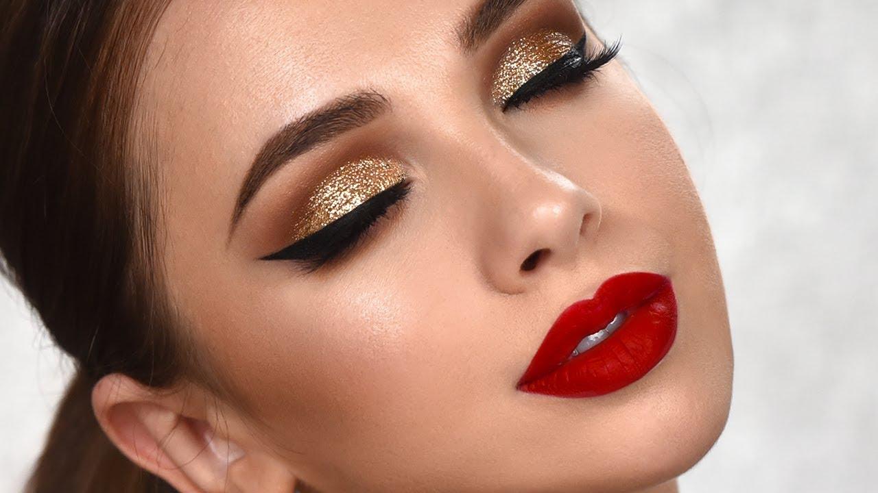 Golden-Smokey-Eye-make-up..-2 60+ Hottest Smokey Eye Makeup Looks in 2021