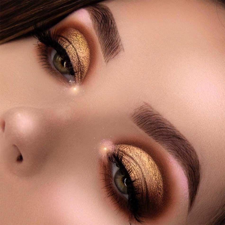 Golden-Smokey-Eye-make-up 60+ Hottest Smokey Eye Makeup Looks in 2021