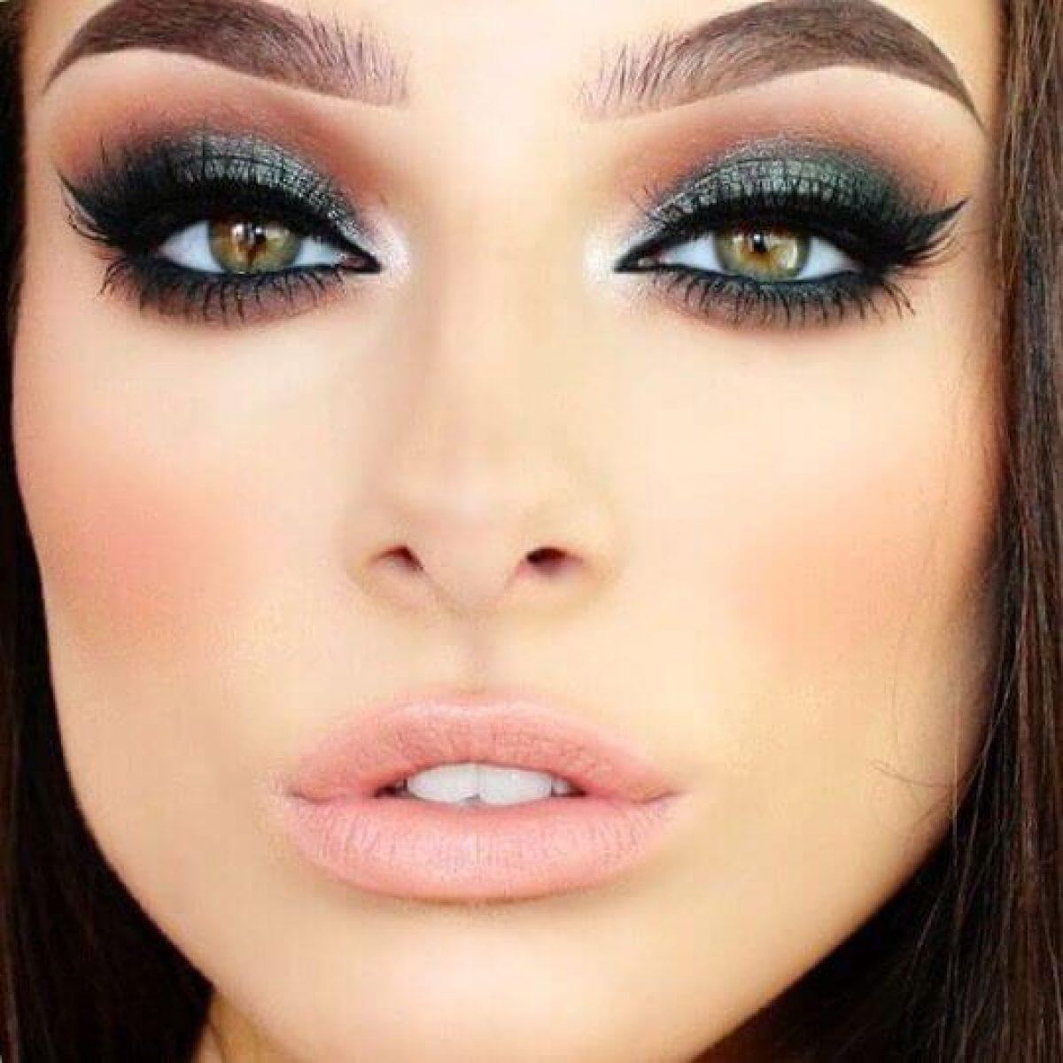 Green-black-smokey-eyes.-3 60+ Hottest Smokey Eye Makeup Looks in 2020