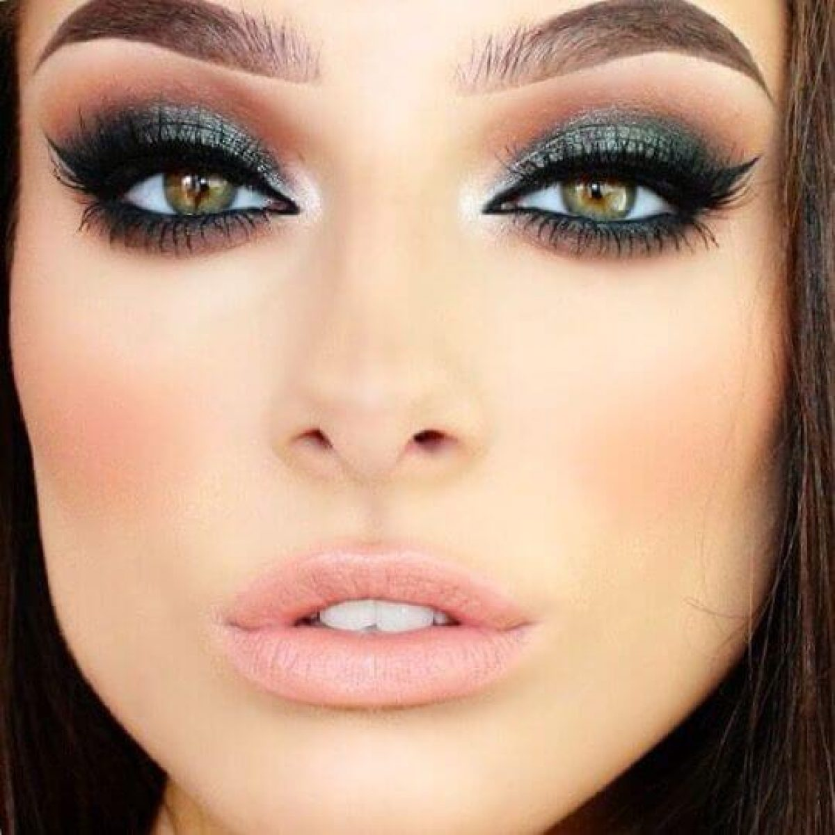 Green-black-smokey-eyes.-3 60+ Hottest Smokey Eye Makeup Looks in 2021