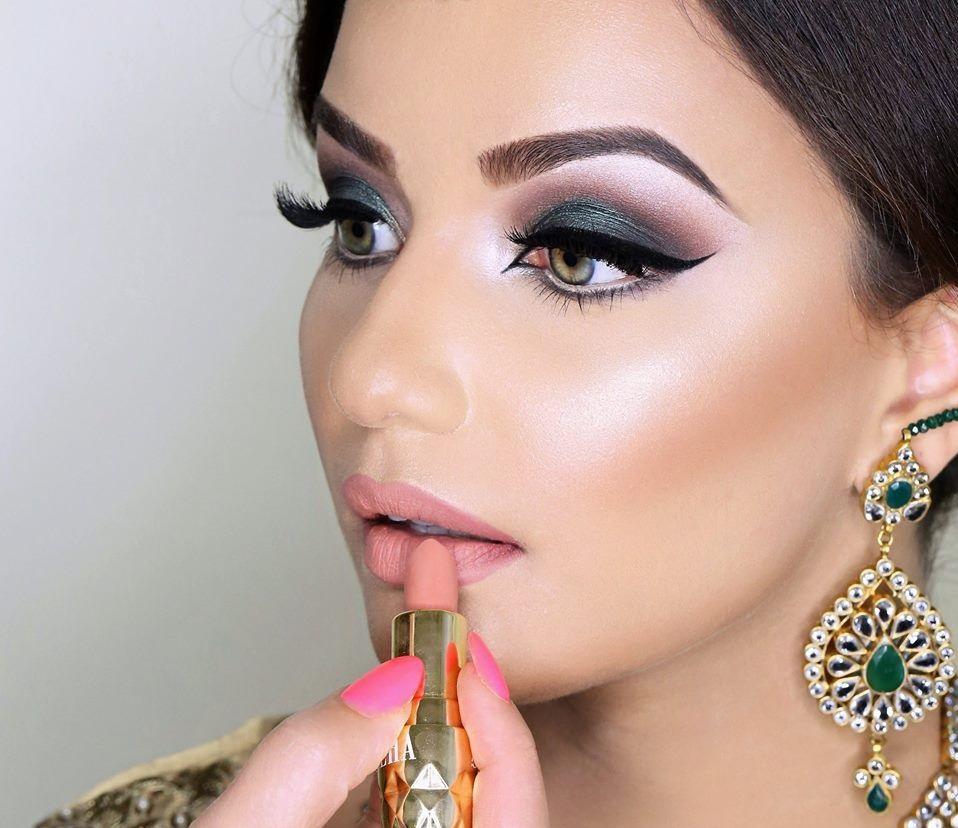 Green-black-smokey-eyes.. 60+ Hottest Smokey Eye Makeup Looks in 2020