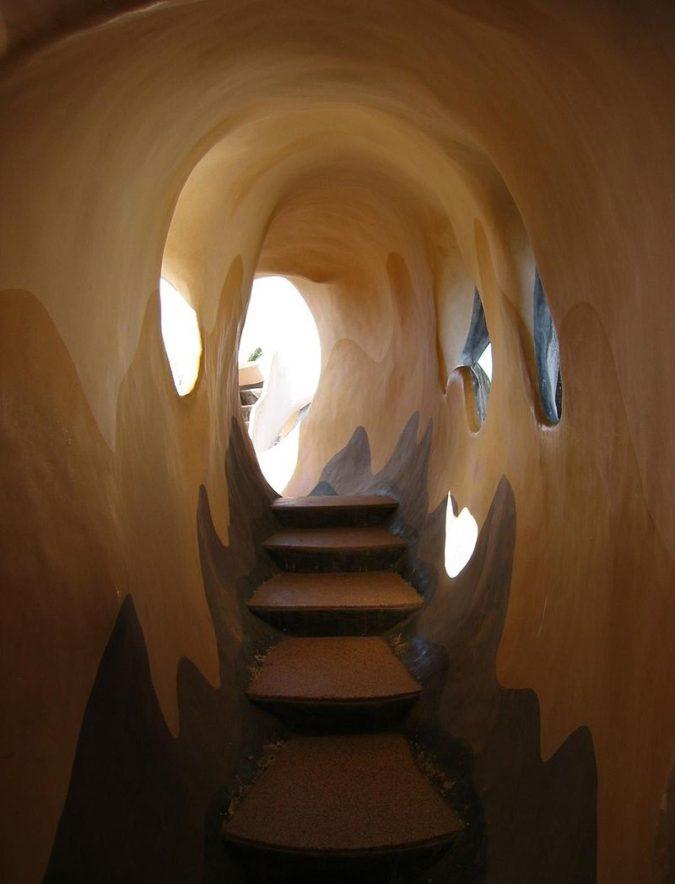 Hang-Nga-Guesthouse-3-675x884 Top 25 Strangest Houses around the World