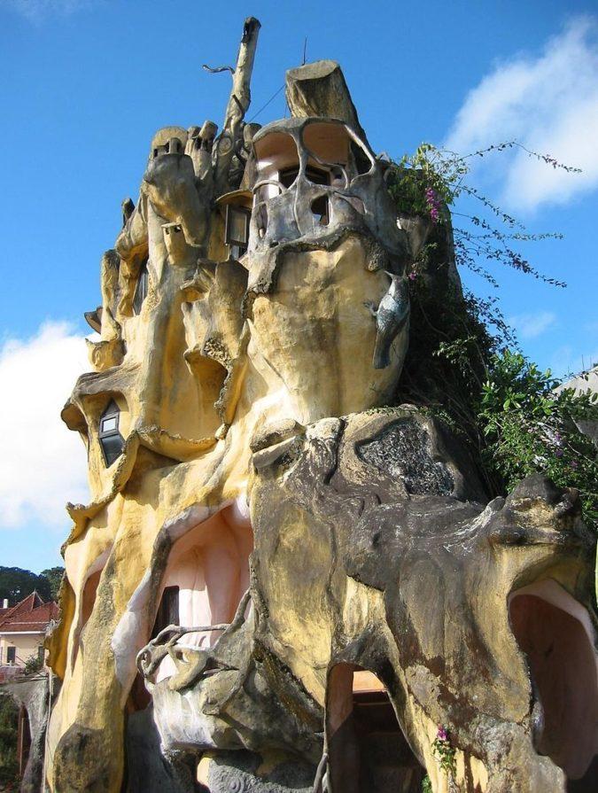 Hang-Nga-Guesthouse-4-675x895 Top 25 Strangest Houses around the World