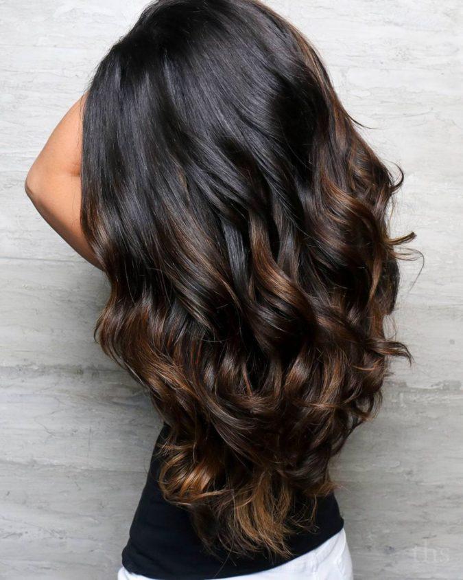 Honey-Brown-Highlights-2-675x844 +35 Hottest Hair Color Trends for Dark-Skinned Women