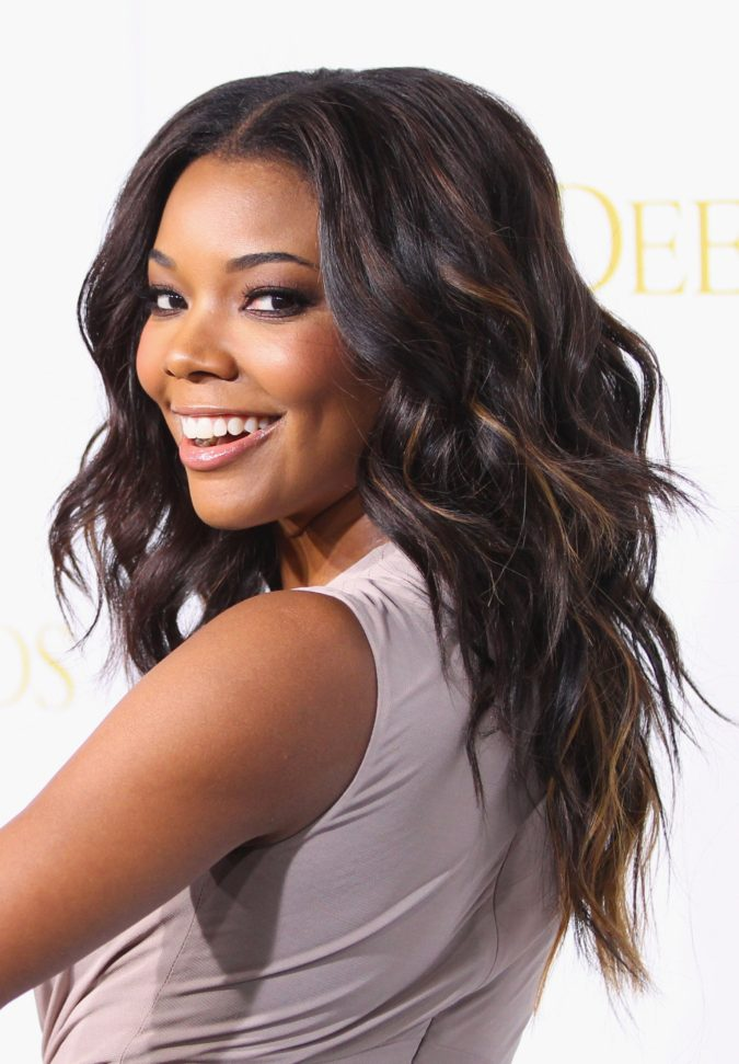 Honey-Brown-Highlights.-4-675x971 +35 Hottest Hair Color Trends for Dark-Skinned Women