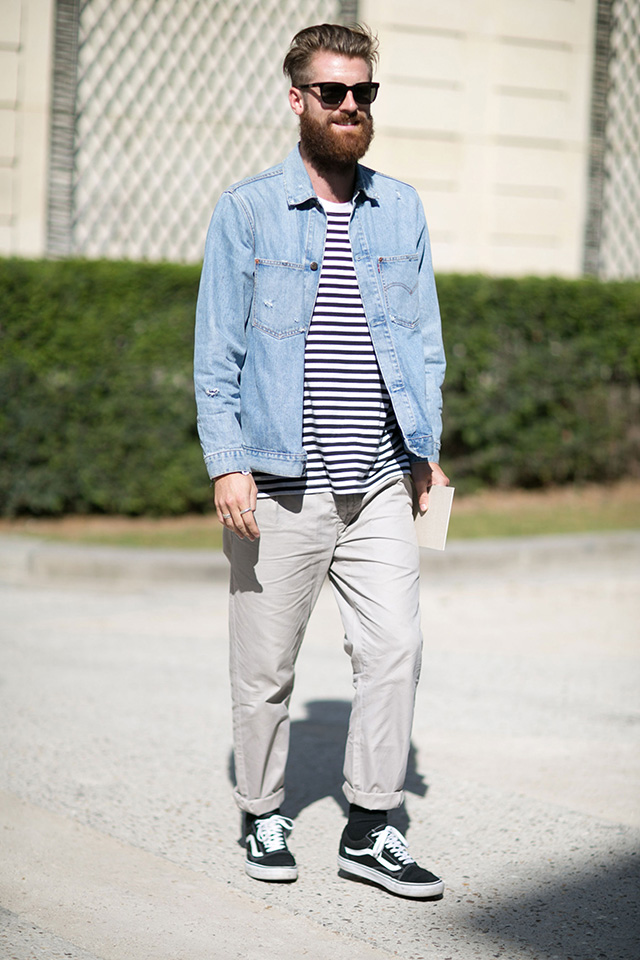 Jean-top-T-shirt-and-trousers.-3 120+ Fashion Trends and Looks for College Students in 2020/2021