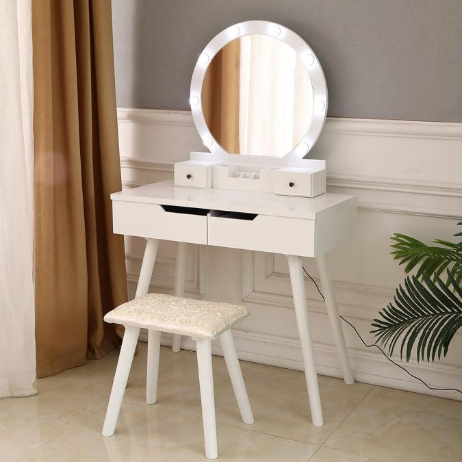 Lighted-mirror-675x675 Hottest 50+ Stylish Makeup Vanity Ideas