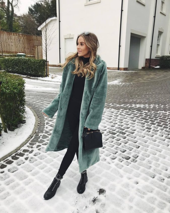 Long-jacket-boots-and-jean-1-675x844 120+ Fashion Trends and Looks for College Students in 2020/2021