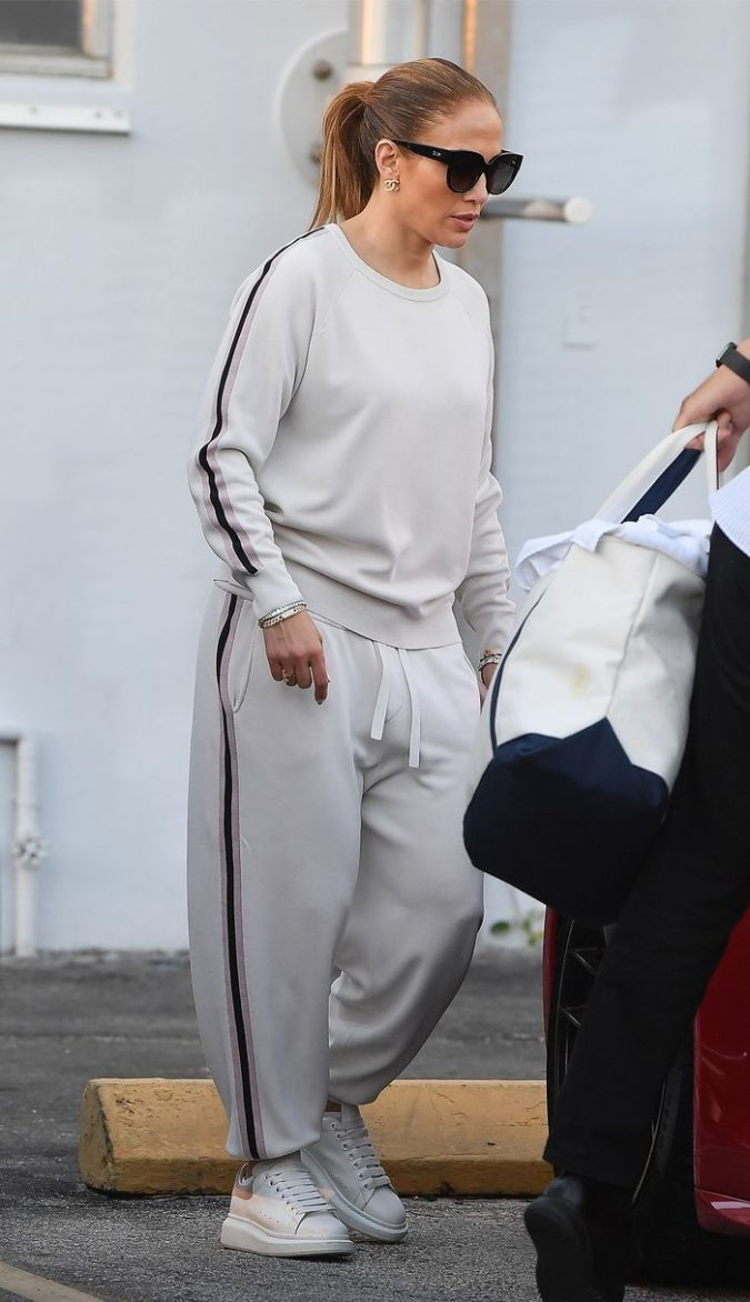 Matching-sweats..-675x1172 120+ Fashion Trends and Looks for College Students in 2020/2021