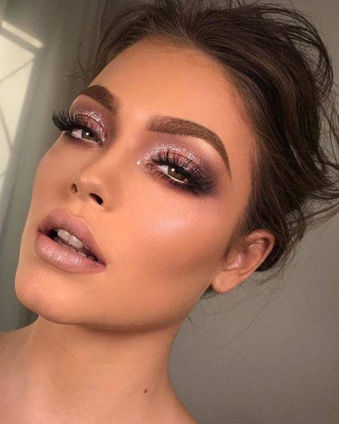 Mauve-Blend-With-Dramatic-Flick-3-675x844 60+ Hottest Smokey Eye Makeup Looks in 2020