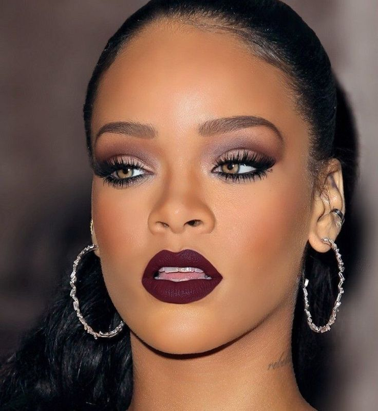 Mauve-Blend-With-Dramatic-Flick.-1 60+ Hottest Smokey Eye Makeup Looks in 2020