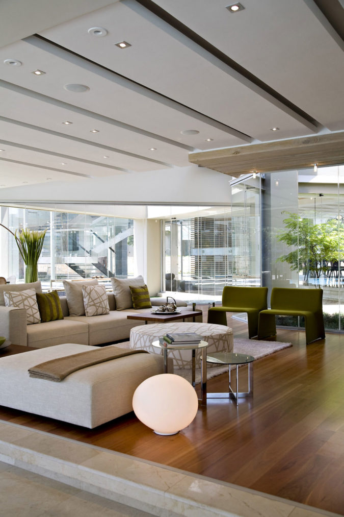 Modern-room..-1-675x1013 70+ Hottest Colorful Living Room Decorating Ideas in 2021