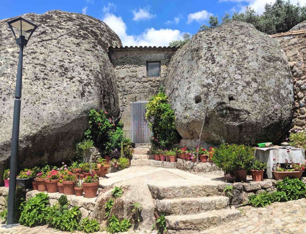 Monsanto-House. Top 25 Strangest Houses around the World