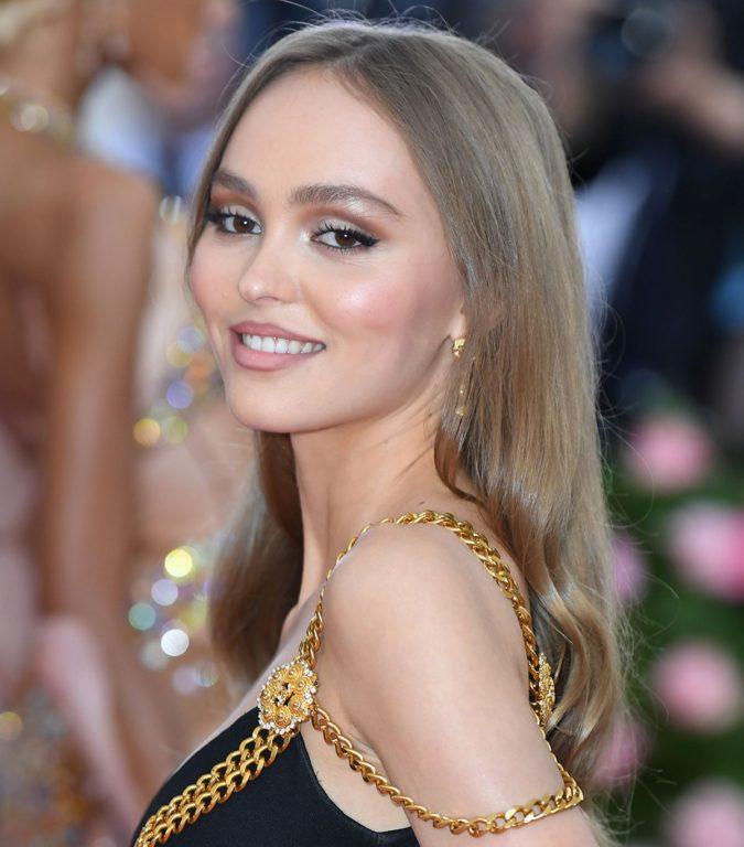 Mushroom-Blonde-1-675x768 Top 10 Hair Color Trends for Blonde Women in 2021
