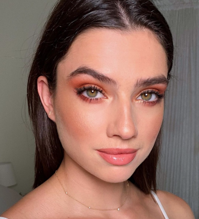 Natural-orange-eyeshadow-1-675x740 60+ Hottest Smokey Eye Makeup Looks in 2021